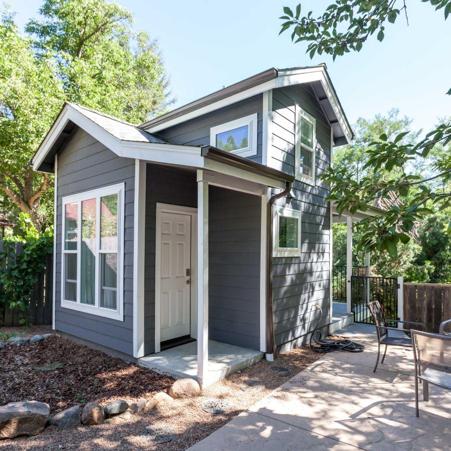 Small cottage studio design